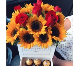 Classic Sunflower Rose Box - RSVP Designs